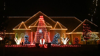 Annual Madera light show up to 37,000 lights