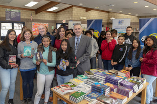 Students to receive 5,000 books