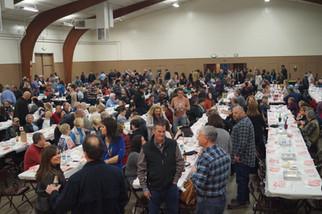 400 pack Hatfield Hall for Soroptimist Crab Feed