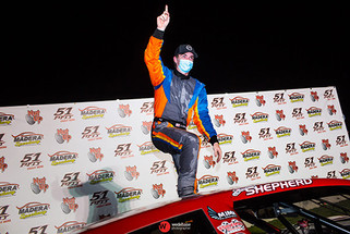 Shepherd drives to third Pro Late Model victory at Madera
