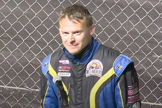 Erickson outfoxes Herzog for Late Model opening night win