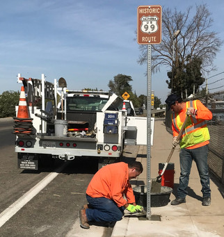 Historic 99 signs posted in Madera