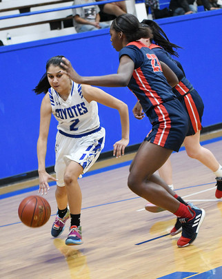 Coyotes no match for SJM athletes