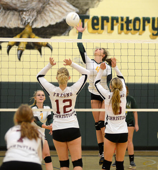 Hawks continue strong run with wins