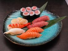 7 Nigiri + 1 Hosomaki-Set
