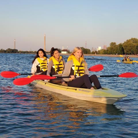 2hr 3 seat Family Kayak rental