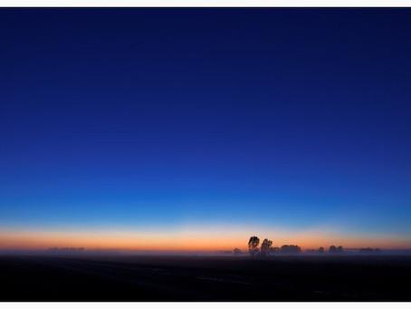 Sol y azul