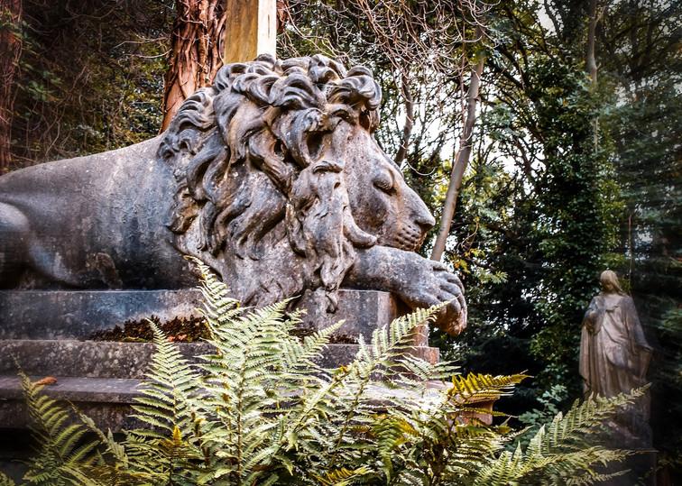 Lion and Madonna