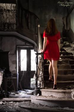 laura_maison_escaliersigné