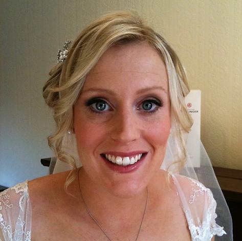 Pretty & soft bridal hair and make-up