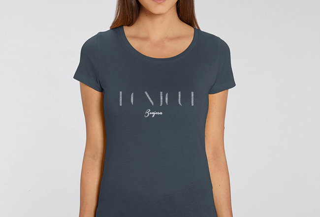 Basic T-Shirt - Bonjour