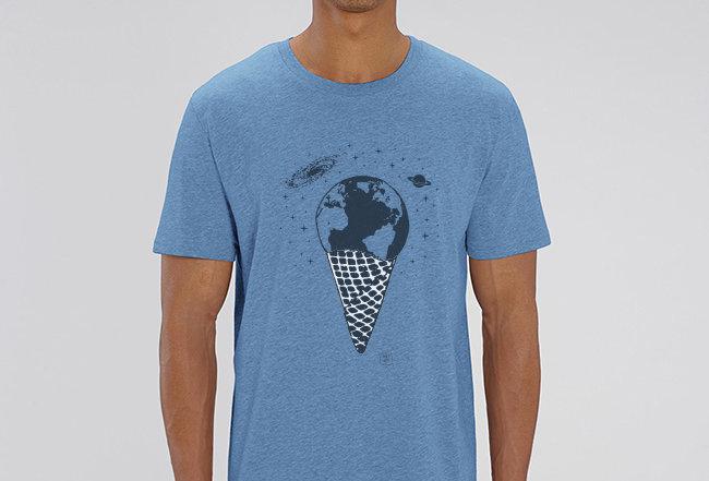 Basic T-Shirt - Eine Kugel Erde