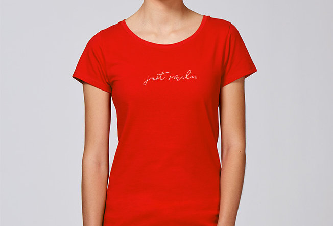 Basic T-Shirt- just smile
