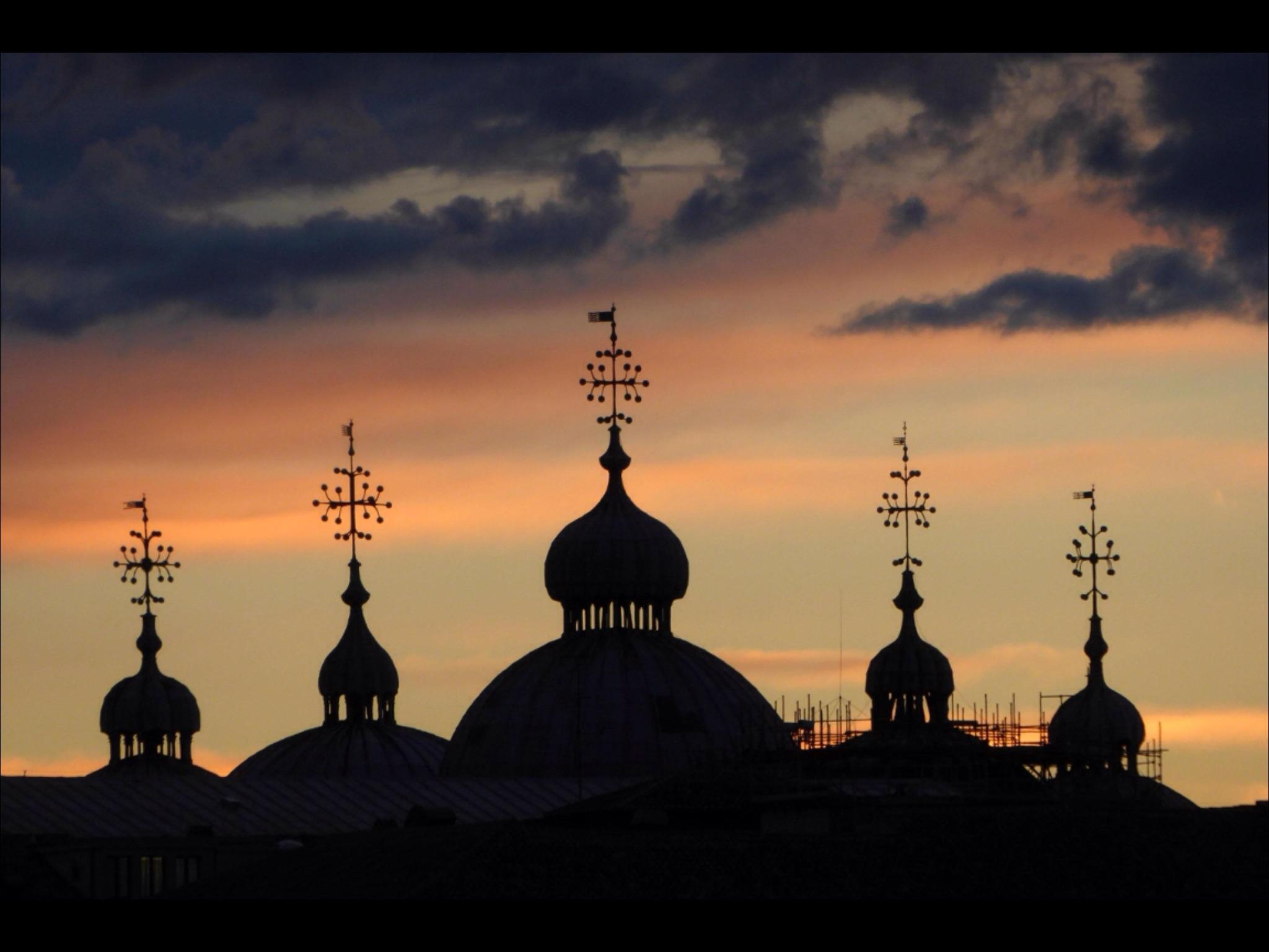 St Mark domes