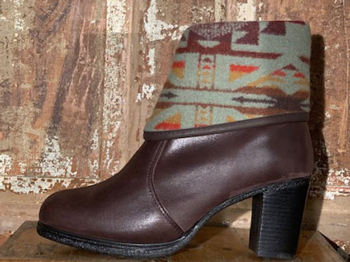 The Montreal - Espresso Leather with  Native Wool Cuff