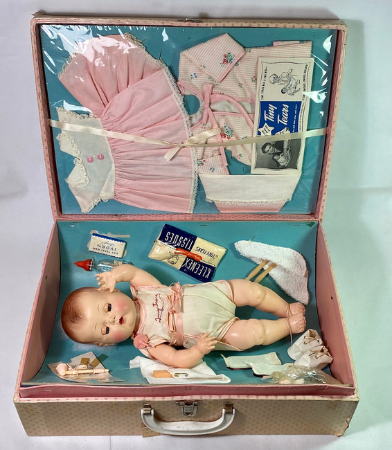 """MINT 15"""" American Character 1950s TINY TEARS Doll w/ Original Layette in Case"""