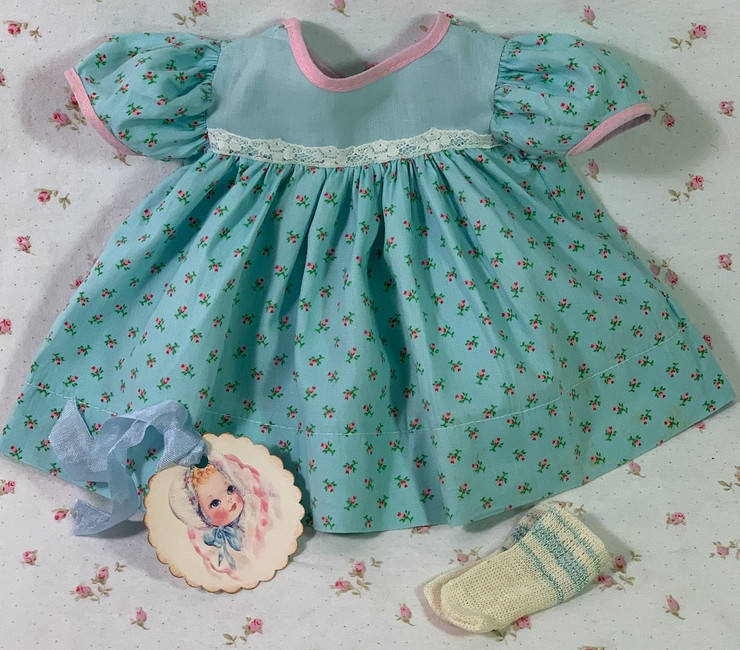 """Vintage 1950's Floral Print Dress for 15"""" to 16"""" Dolls"""