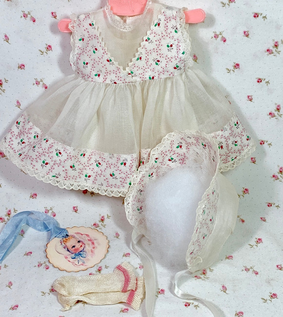 """13.5"""" Tiny Tears / Betsy Betsy White Organdy w/ Flowers Dress and Bonnet Set"""