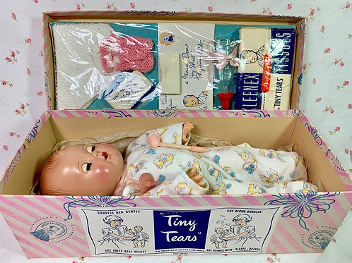 """Pre-Patent 11"""" American Character Tiny Tears in Shoebox Display"""