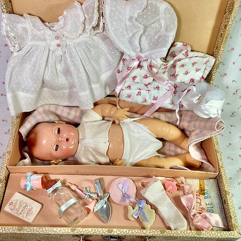 "Vintage 1940s Effanbee 15"" Dy-Dee Jane Mold 2 in Layette Suitcase"