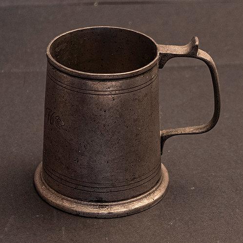 MO.15 – Boccale da birra in peltro cm 11,5