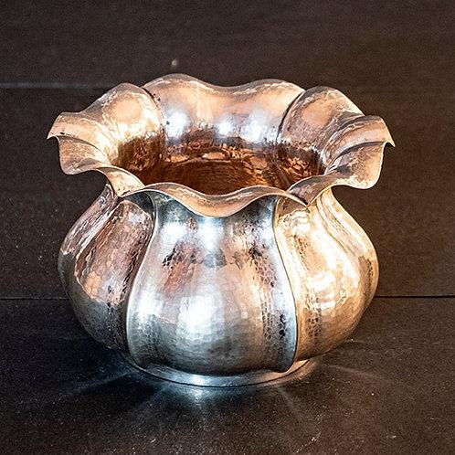 S.04 – Vaso in argento  h cm 11,5 ø cm 17