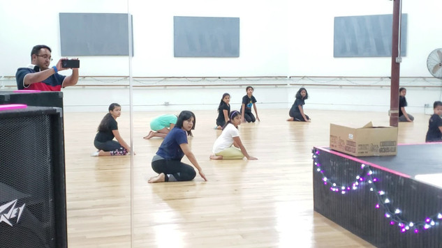 Indo Contemporary patriotic dance intermediate girls