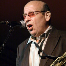 Bob Mover Performing