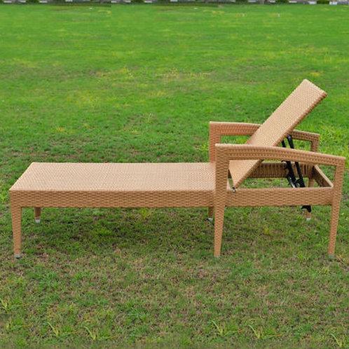 Уличная мебель лежак с матрасом 2
