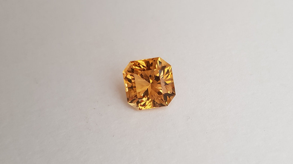 Modified Square Golden Topaz 5.51 cts