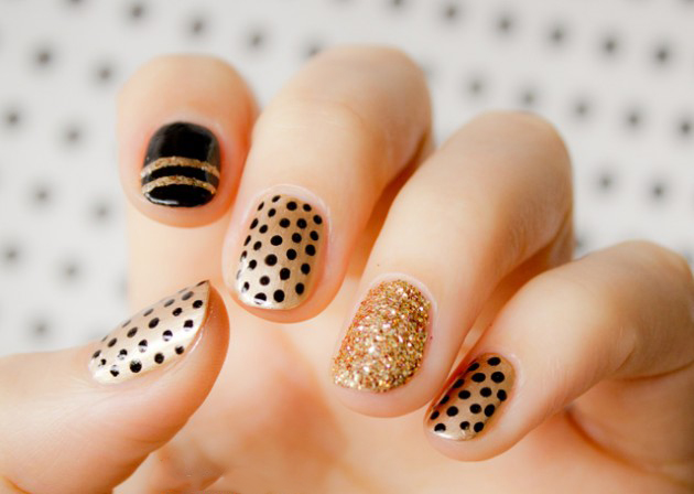 Black-and-Gold-Nail-Design