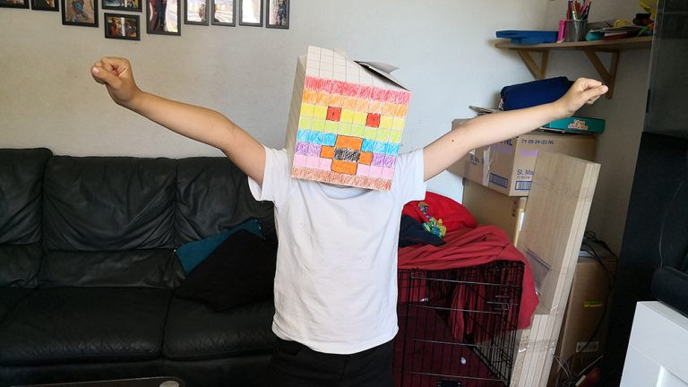 BoxHead Craft Xmas Present