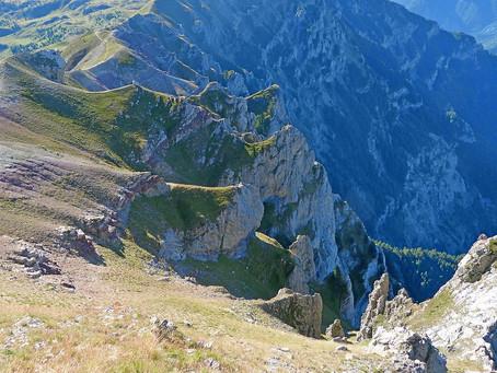 Minoan Peak Sanctuaries: Way Up There
