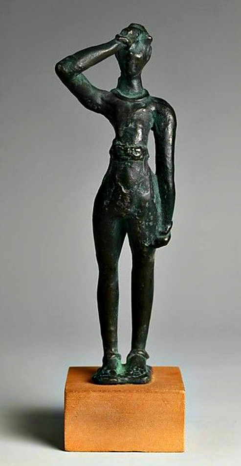 Minoan salute figurine