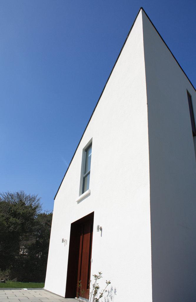 Roundstone House