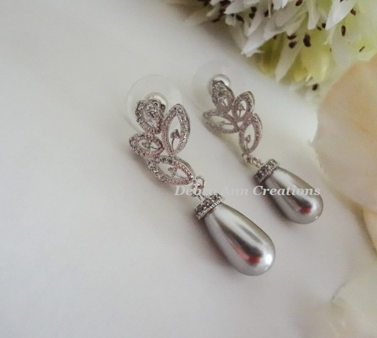 Teardrop Pearl and Crystal Earrings BRER4047