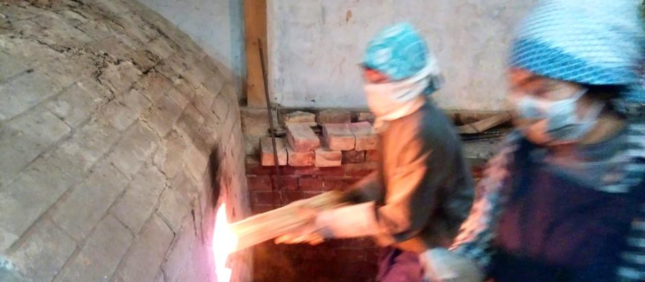 今回の窯焚きは女性ばかりでした。