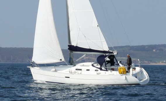 Oceanis 323 - OneToSea
