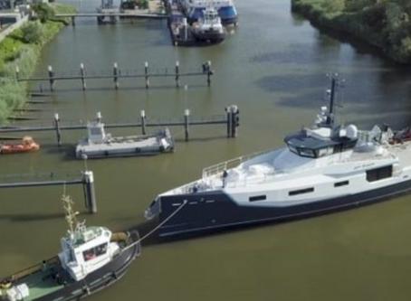 Chase boat vs a larger yacht.