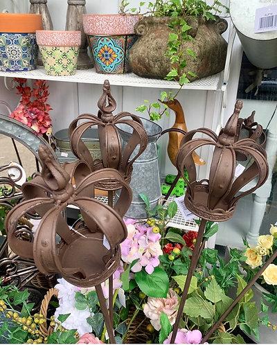 Rustic crown tea light holder garden stake