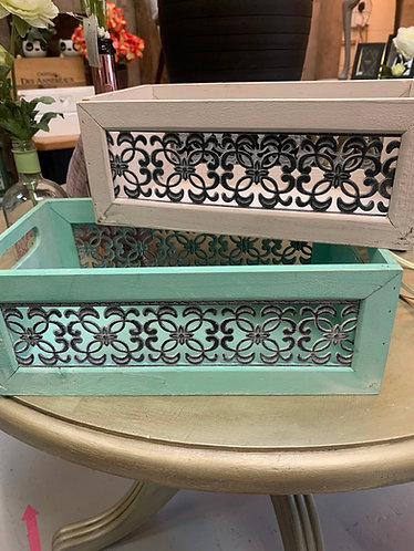 Set of two crates, pink & green