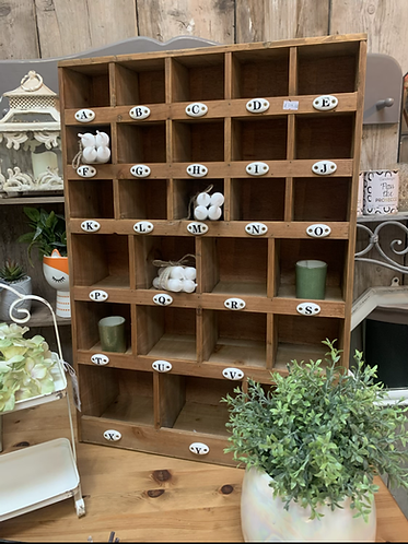 Sorting shelf with porcelain letters