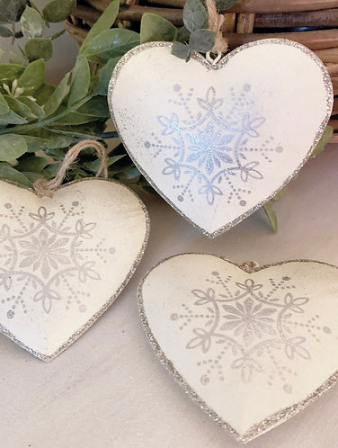 Cream and silver metal heart decoration