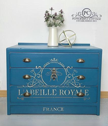 BEE drawers