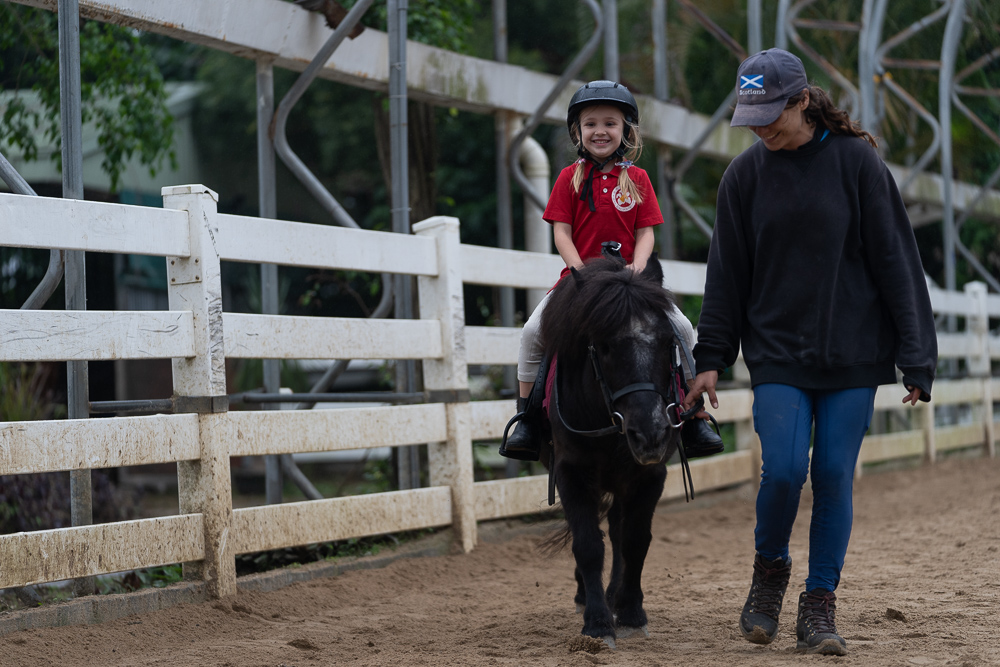 4-5 yrs old Pony ride