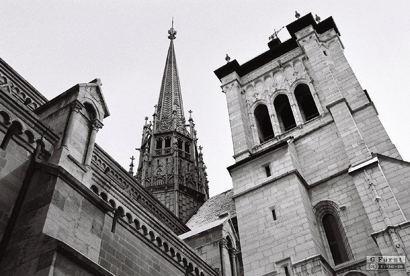 saint-pierre_exterieur_noir-blanc_1.jpg