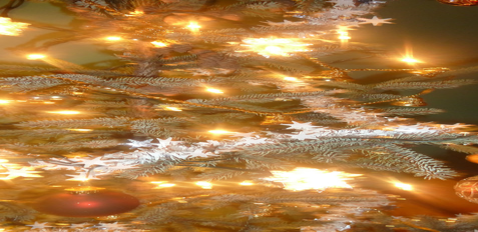Chalet à louer au Québec   face au lac   4 saisons Le Cocooning L'Ascension   Noël au chalet