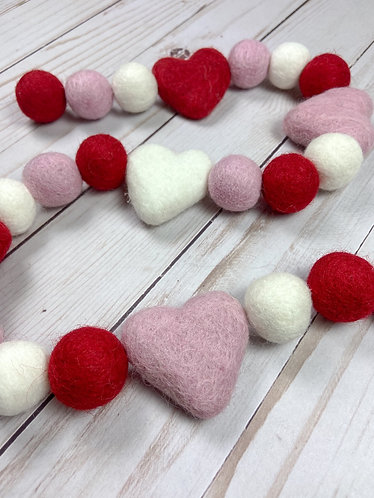 Be Mine Ball Garland