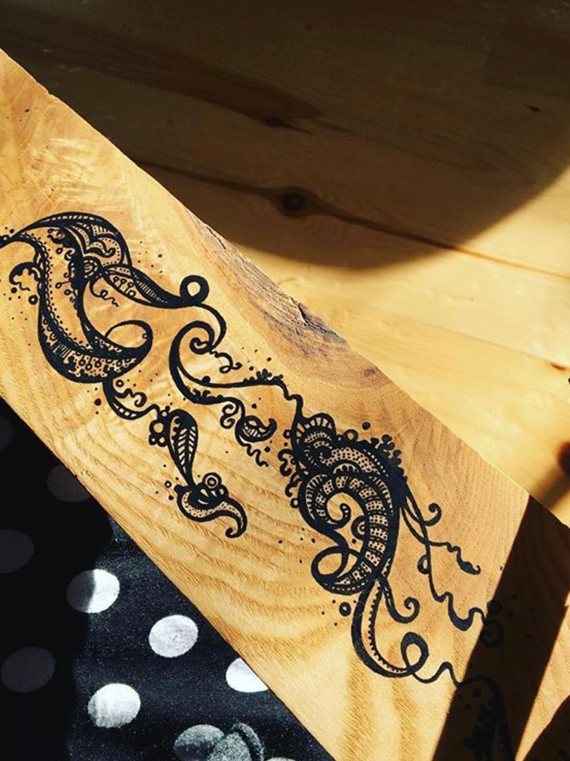 pen on oak