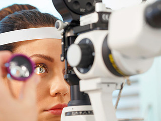 Why women should take extra care of their eyes. Both pregnancy and aging affect eyesight.